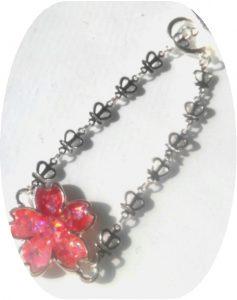 花のブレスレット赤